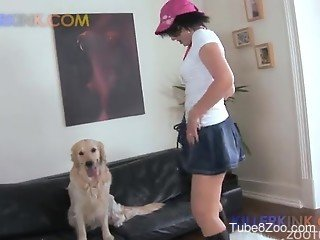 Babe in pink hat and sunglasses blows her doggy's boner